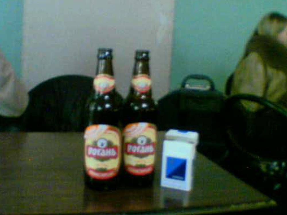 Øl i baren på flyplassen
